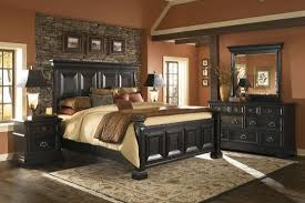 Four Piece Traditional Bedroom Set in Black