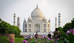 a brief history of india s taj mahal