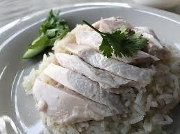 ข้าวมันไก่ต้มธรรมดา ไม่หนัง ร้าน เจ๊หงษ์ข้าวมันไก่ ถนนจันทน์ - Wongnai
