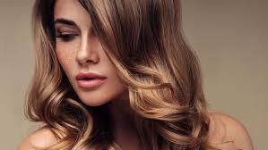 Tipy Pro Jemné Vlasy Jak Docílit Objemu Který Vydrží Déle Než