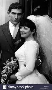Pat Jennings attaquant de Tottenham Hotspur, Jan 1967 se marie à ...