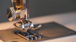 How To Choose The Best Beginner Quilting Sewing Machine | TM ... & Beginner Sewing Machine Adamdwight.com