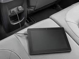 2015 Chevrolet Colorado review: Blending tech with smaller size ...