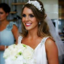 on your wedding day choosing your bridal makeup and hair style is as important as choosing your dress we want to make sure you look back at your