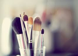 the only thing more important than the actual makeup that you use is the makeup brushes you use to apply your makeup without the proper tools