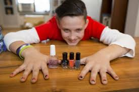 manicures aren t just for s ny daily news img men painting their fingernails and toenails lipstick alley an american beauty
