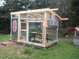 House Made From Pallets Greenhouse From Pallets And Old Windows Gardening Pinterest