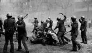 son imatges de l'epoca de Franco...pero podrien ser tranquilament de fa uns dies, mateixa brutalitat