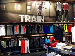 Retail Visual Merchandiser Steal These 9 Visual Merchandising And Store Ideas Ubm Fashion