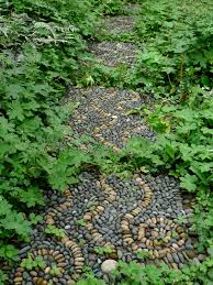 Diy Stepping Stones Jeffrey Bales World Of Gardens Building A Pebble Mosaic Stepping