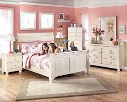 Sleigh Bed Bedroom Furniture Cottage Retreat Full Sleigh Bed Bedroom Furniture Beds Ashley Set