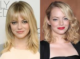emma stone looks gorgeous with natural makeup and with a bright red lip we d bet boyfriend andrew garfield probably wouldn t mind either way