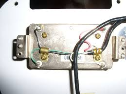fender hh strat wiring the gear page are the pickups positioned the right way or should i turn one of them around