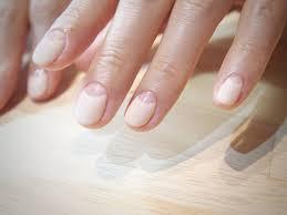 短い爪に似合うかわいいネイルデザイン30選簡単なセルフネイルも Belcy