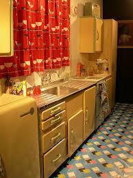 Best 25 Cherry Cabinets Ideas On Pinterest  Cherry Kitchen Kitchen And Floor Decor