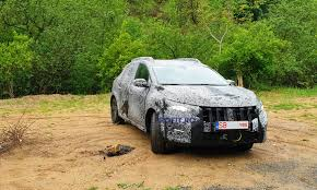 EXCLUSIV Primele imagini VIDEO&FOTO cu noua Dacia Sandero... | PROFIT.ro