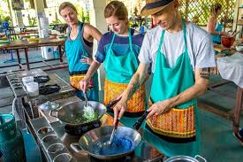 photo essay cooking thai food mama noi road affair mama noi thai cookery school cooking mango sticky rice