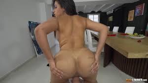 La belleza espa ola Susy Gala en una sesi n de sexo en la cocina.