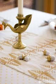Simple Gold Thanksgiving Table - A Home To Grow Old In