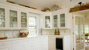 new decorating space above kitchen cabinets 4