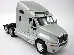 Amazon.com : Kenworth T2000 Diecast Metal and Plastic 1/32 Scale ...