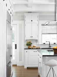 white shaker cabinets with oil rubbed bronze pulls