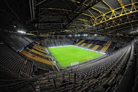 File:Dortmund Signal Iduna Park 1.jpg - Wikipedia