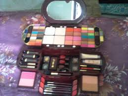 makeup kit from dubai at very low cost