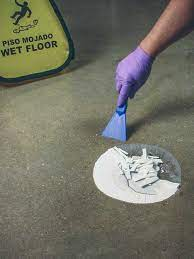 removing oil stains from pavers is
