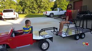 playing with custom built gooseneck trailer flatbed truck hauling powered ride on dodge ram 12 volt