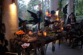 36 Spooky Halloween Decoration Ideas For Your Home_02