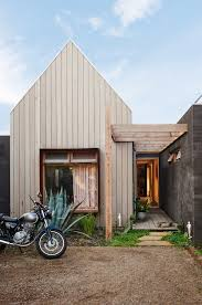 las have i got an amazing house for you this week hayley her firefighter husband and their three kids live on the coast of australia just outside of