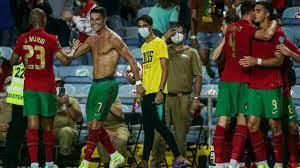 رونالدو يغادر البرتغال بعد كتابته التاريخ ويرتدي قميص مانشستر يونايتد