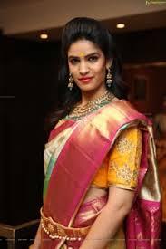Neha Prashanth Kumar Walks The Ramp at VRK Silks New Extension Launch HD  Gallery, Images