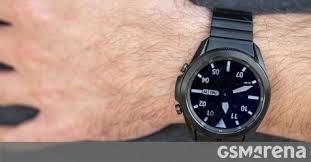 Samsung is indeed working on a Wear OS <b>smartwatch</b>, <b>new</b> ...