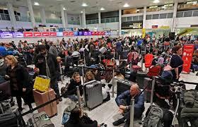 لندن - الافراج عن اثنين بعد تحقيق عن طائرات مسيرة بمطار جاتويك