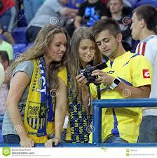 L'Ucraina - La Svezia Teams La Corrispondenza Di Gioco Del Calcio  Fotografia Editoriale - Immagine di kharkov, aperto: 20697297