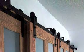 how bypass barn doors work