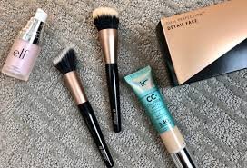 this makeup brush duo offers the best balance of fibers designed to sheer buildable coverage ideal for cc and bb creams and for applying foundations and