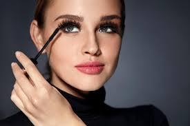 wear eyelash extensions or mascara