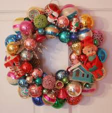 How to make a Christmas wreath out of vintage retro ornaments DIY crafts  CHRISTMAS Great idea for old christmas ornaments that you hold on to but  just cant ...
