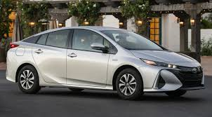 Why you should skip the Toyota Prius for the Prius Prime plug-in ...