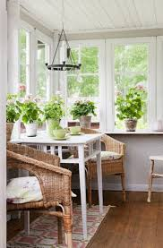 sunroom decor. Cozy Small Sunroom Decor Ideas