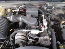 2000 Cadillac Escalade 4WD 5.7 Liter OHV 16-Valve V8 Engine Photo ...