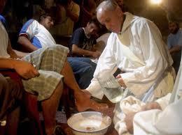 Nuove disposizioni per la Lavanda dei piedi del Giovedì Santo   Arcidiocesi  di Agrigento Sito Ufficiale