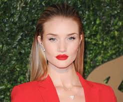 for exle if you re matching a bold red lip to your red dress opt for simple liner or mascara rather than an intricate smoky eye