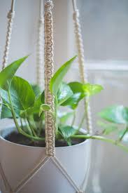 macrame plant hanger tutorial macrame plant hanger tutorial