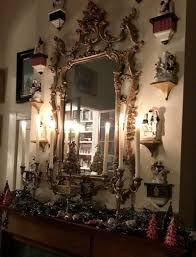 Q: How do you like to decorate for Christmas?