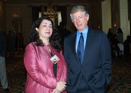 File:Aviva Kempner and Ted Koppel, May 2002.jpg - Wikimedia Commons