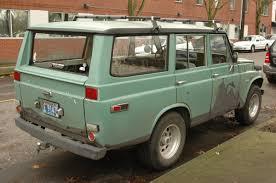 OLD PARKED CARS.: 1973 Toyota Land Cruiser FJ55 Wagon.